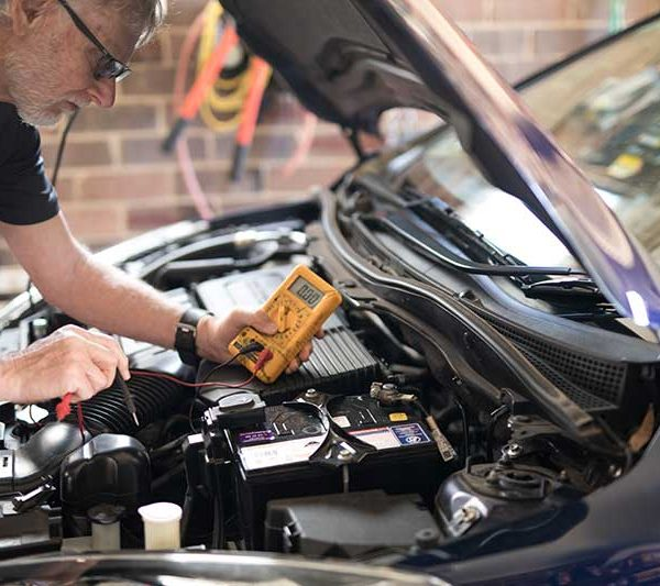 fort collins mechanic checking car battery