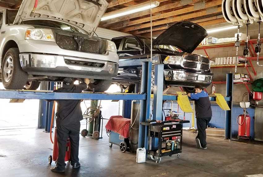 mechanics working in Fort Collins